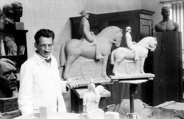 Johannes Oertel schuf das Denkmal