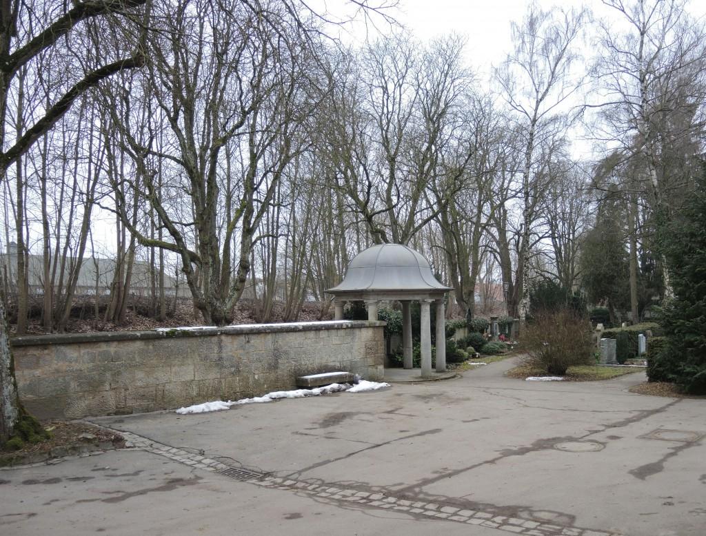 An dieser Innenseite der Umfassungsmauer wurde Johann Rößler erschossen. Dort soll eine Gedenktafel angebracht werden; Foto: Dieter Balb