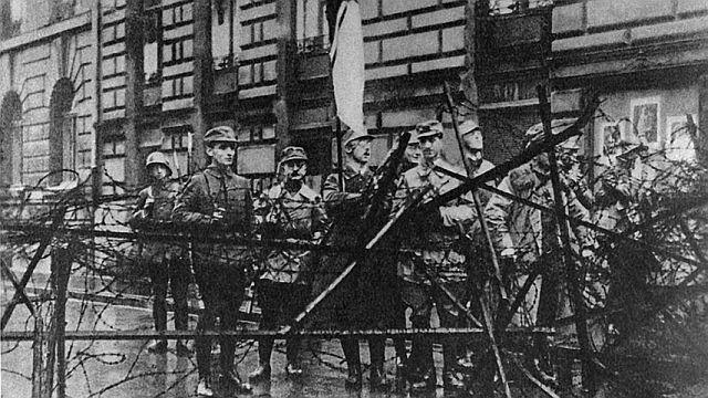 Novemberputsch in München 1923 mit Himmler an einer Straßensperre