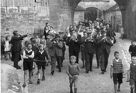 Rückkehr der Schäfertanz-Gruppe aus Hamburg 1936