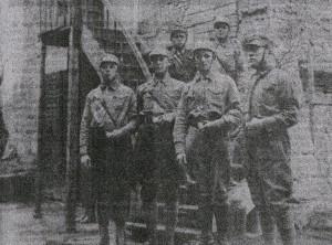 """Rothenburger SA-Männer vor 1933; entn. """"Fränkischer Anzeiger"""""""
