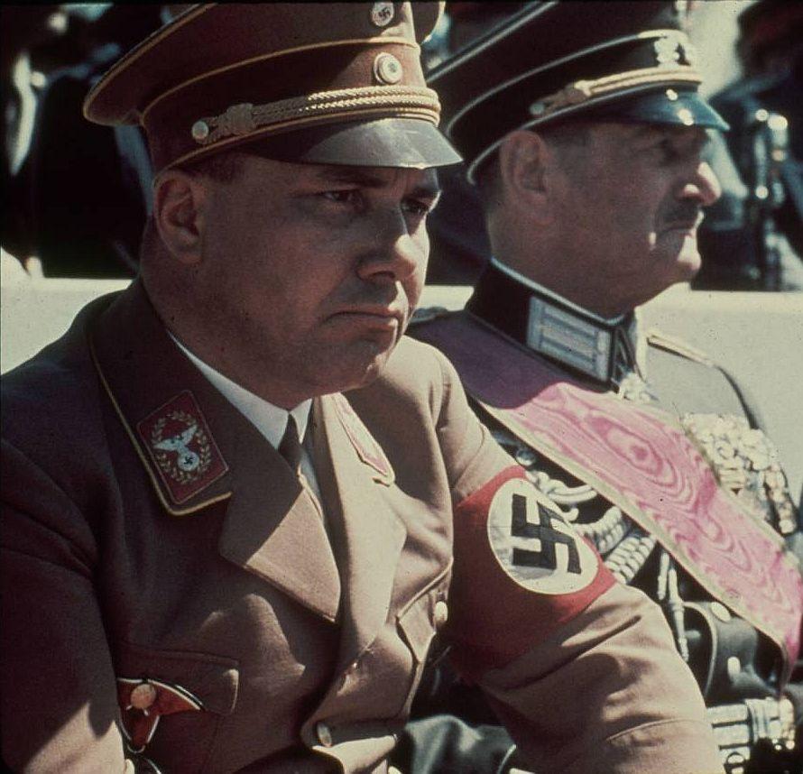 Reichsstatthalter Ritter von Epp (re.) und NS-Reichsleiter Martin Bormann in München