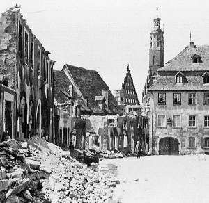 Überall Trümmer (Kapellenplatz später)