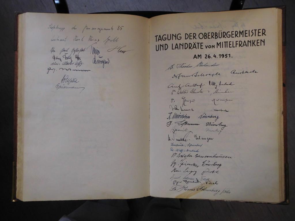 Letzte EIntragung aus der NS-Zeit (links), rechts die erste nach 1945.