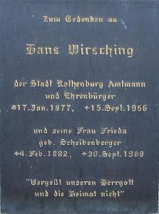 Ehrentafel an der Friedhofskapelle; Foto: Gußmann