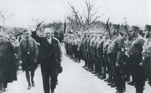 Ludwig Siebert begüßt die SA im Burggarten (nicht 1934)