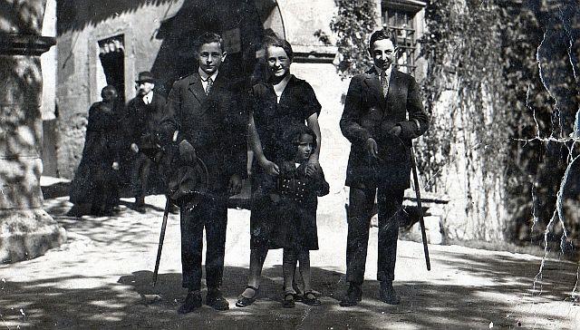 Familie Lehmann am Burgtor 1910