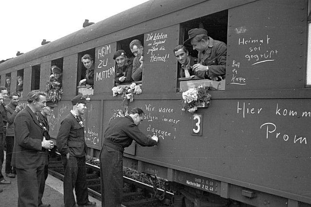 Kriegsheimkehrer aus Großbritannien 1948; Foto: Picture Post
