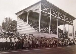 Tribüne des Stadions