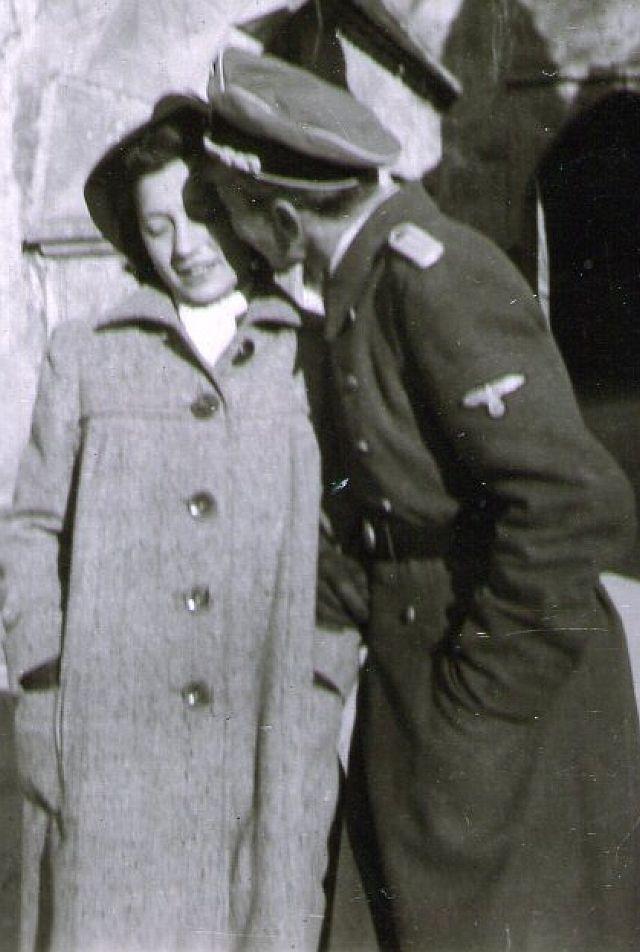 xxxx und ihr Fritzi als SS-Offizier