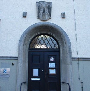 Eingang des Finanzamts Rothenburg heute; Foto: Oliver Gussmann