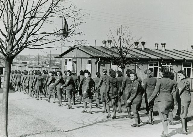 Weiblicher Arbeitsdienst (nicht Rothenburg)