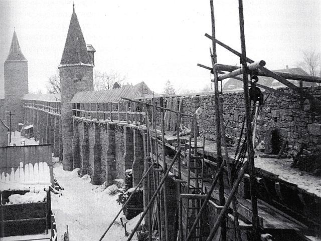 Wiederaufbau der Mauer an der Röderschütt 1952